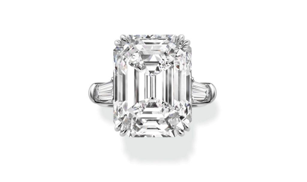 Harry-Winston-Classic-Engagement-Ring-Fine-Jewellery