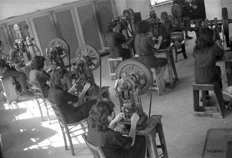 Jewellery making workshop of FOPE in 1950